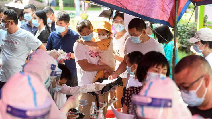 Trung Quốc ra lệnh xét nghiệm hàng loạt vì ca nhiễm Covid gia tăng