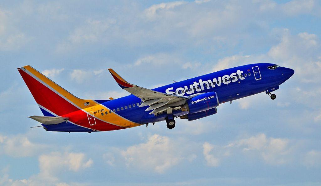 Southwest Airlines - thảm họa liên tục, cổ phiếu giảm